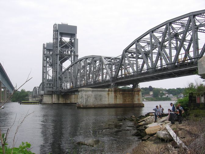 New London rail bridge stuck, five Amtrak trains delayed